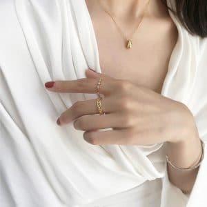 collier goutte dorée