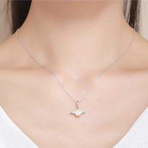 collier perle blanche pas cher aux ailes d'ange