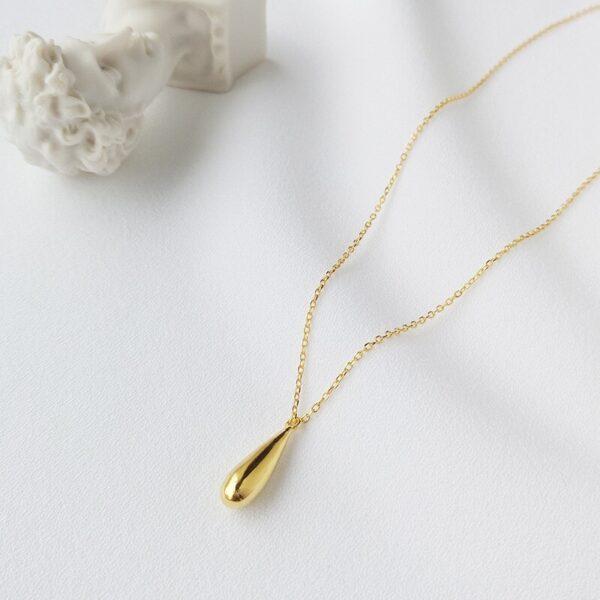 joli collier goutte d'eau doré