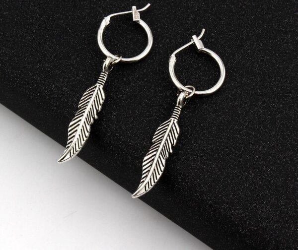 jolies boucles d'oreilles pendantes plume