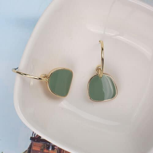 boucles d'oreilles dorées vert émeraude