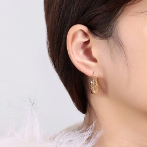 boucles d'oreilles dormeuses ajourées en argent plaqué or