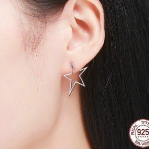 clous d'oreilles pas cher étoiles ajourées
