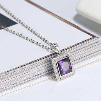 pendentif pierre violette telle une améthyste